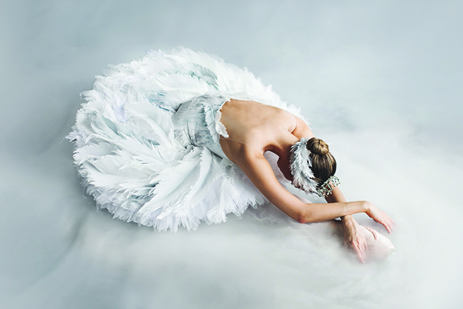 Hannah Fischer in Swan Lake